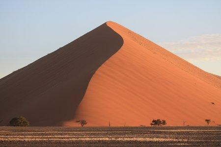 Dune 42 im Wüstengebiet von Sossusvlei