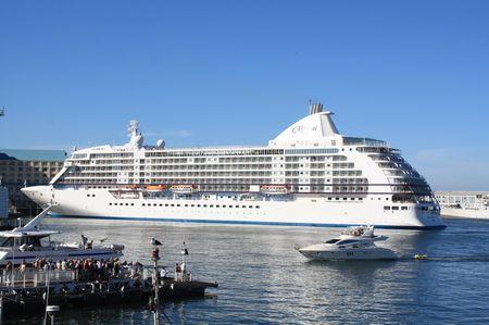Kreuzfahrtschiff in Kapstadt