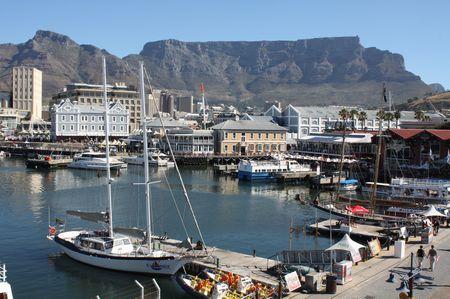 Tafelberg von der Waterfront aus