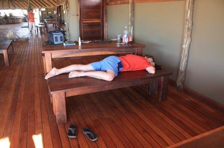 Schlafen auf der Bank