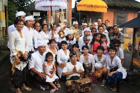 Familienfoto nach der Zeremonie