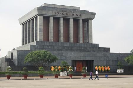 mausoleum-ho-chi-minh